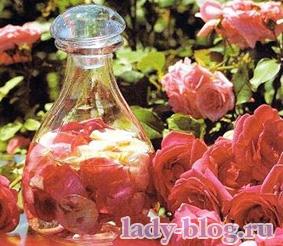 Домашнйи тоник для лица из лепестков роз