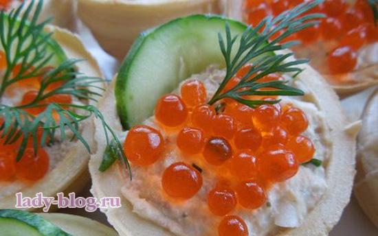 Салат крабовый в тарталетках